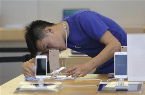 Δούρειος Ίππος στήνει ενέδρα σε iPhone και iPad μέσω καλωδίωσης με Mac