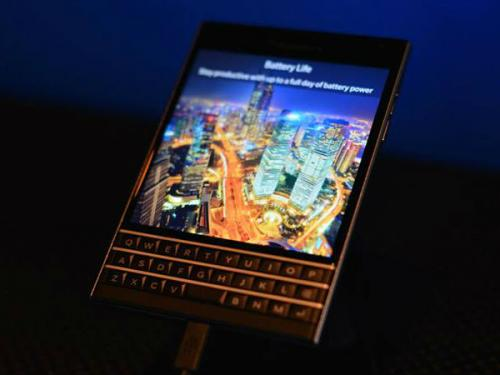 BlackBerry: Βρήκε τρόπο να πείσει τους χρήστες iPhone να προτιμήσουν το Passport